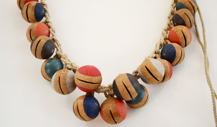 Full-Jingle-Bell-Garland-Stoneware